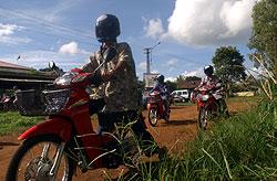 Motoman. Internet sobre moto en Ratanakiri