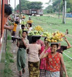 Vendedoras en la estación.